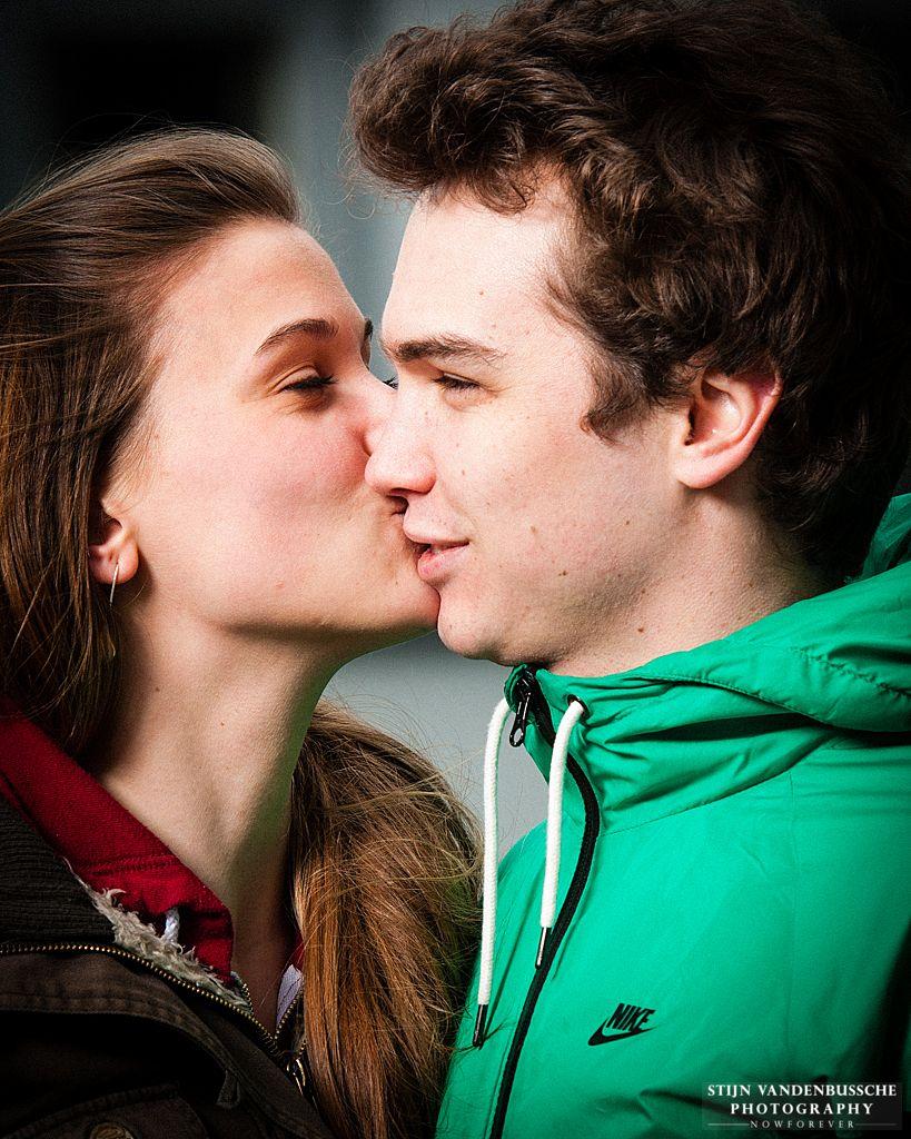 3_ portret kussend jong frans koppel